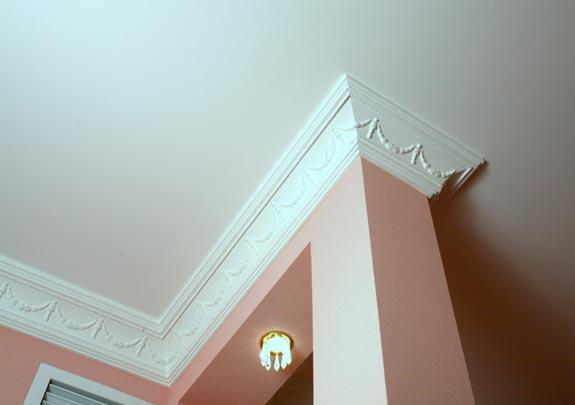 потолочный плинтус